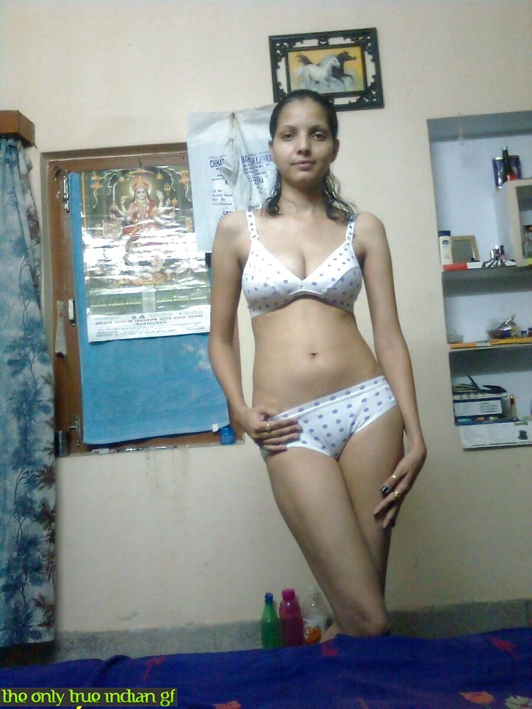 Desi slim sexy Indian navel girls